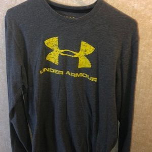 Under Armour Men's Long Sleeve Shirt - Medium
